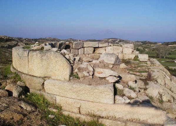Προϊστορικός τύμβος στο Κριαρίτσι